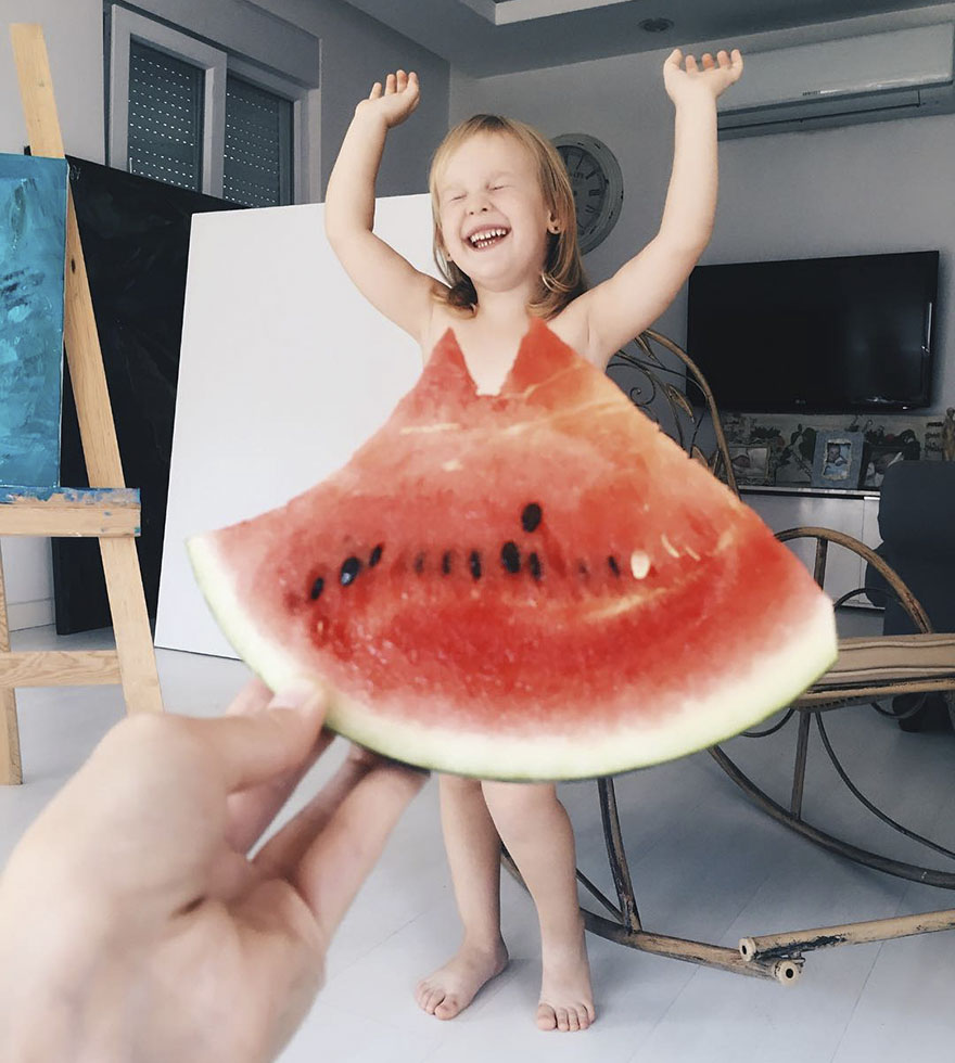"""Mom """"Dresses"""" Her Daughter In Food And Flowers Using Forced Perspective, Becomes Internet Star"""